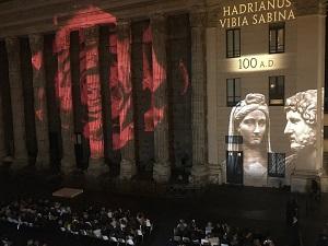 Luci sul Tempio di Adriano